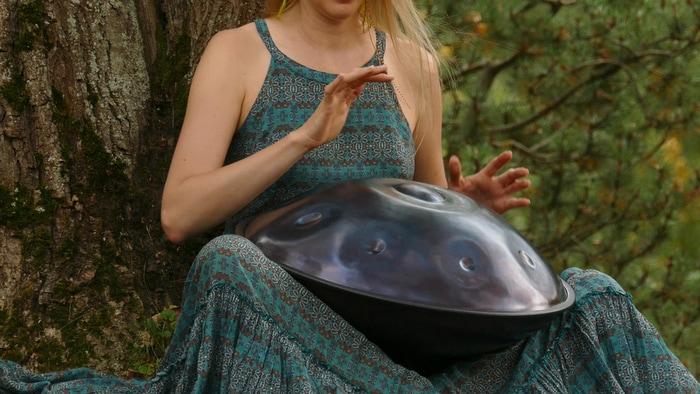"""L'handpan, uno strumento """"alieno"""""""
