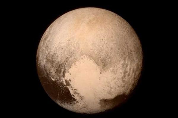 Plutone sorridi: è arrivato New Horizons!