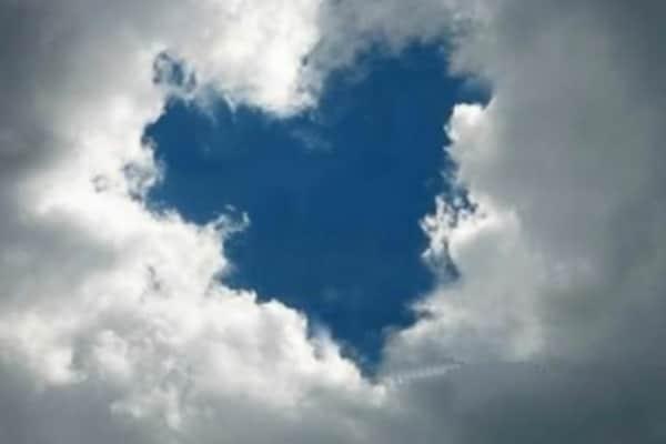 Perché le nuvole restano sospese?