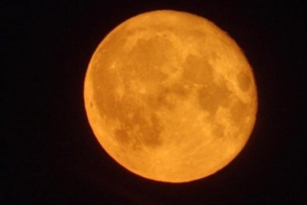 Lo sapevi che   Perché la luna piena è più bella d'inverno?