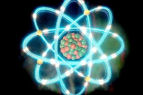 Se gli atomi non si vedono nemmeno al microscopio, come han fatto a scoprirli?