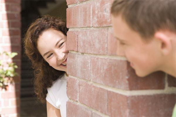 Può una ragazza di testo un ragazzo dopo un aggancio