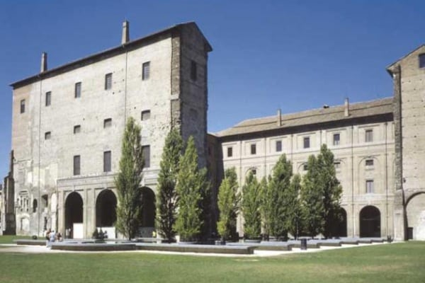 La Galleria Nazionale e il Teatro Farnese a Parma