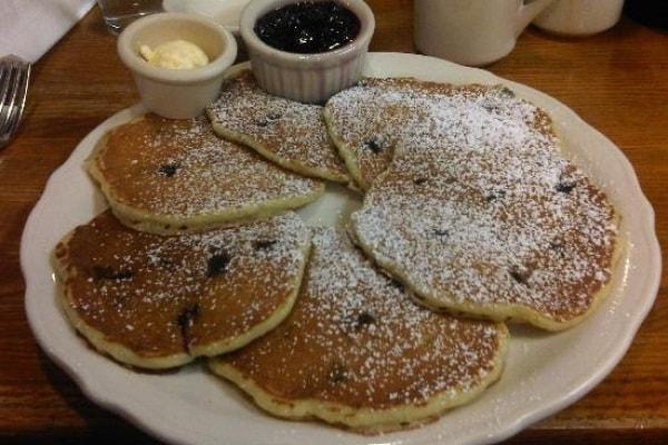 Come si fanno i pancake: ricetta facile originale dei pancake americani