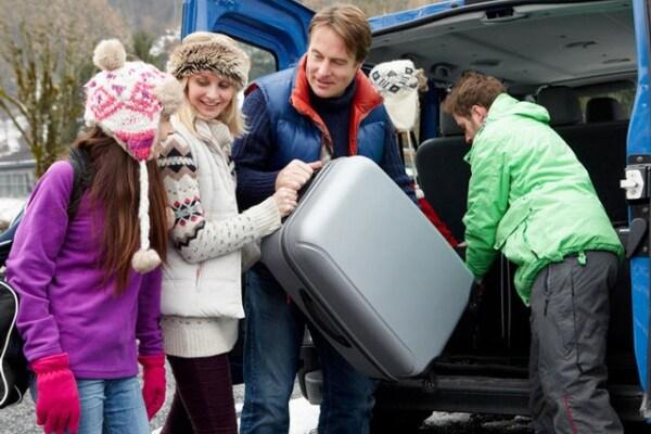 Viaggi, vacanze e… cintura di sicurezza: i ragazzi danno i numeri
