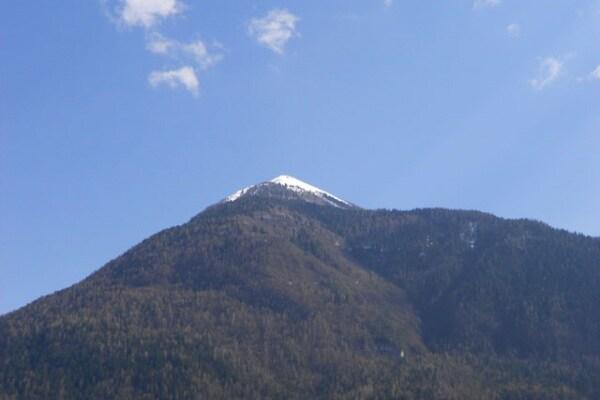 La faccia sul monte