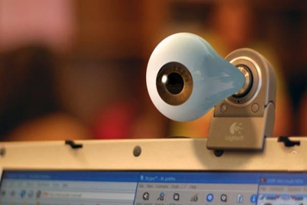 Ho paura di essere spiato dalla webcam!!! [+Sondaggio ]