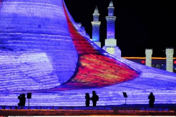 Festival del ghiaccio | Città, labirinti e case di ghiaccio