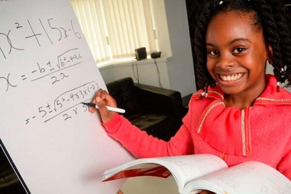 Esther, a 10 anni un genio della matematica