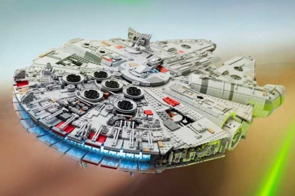 Star Wars | Un Millennium Falcon da record tutto di Lego
