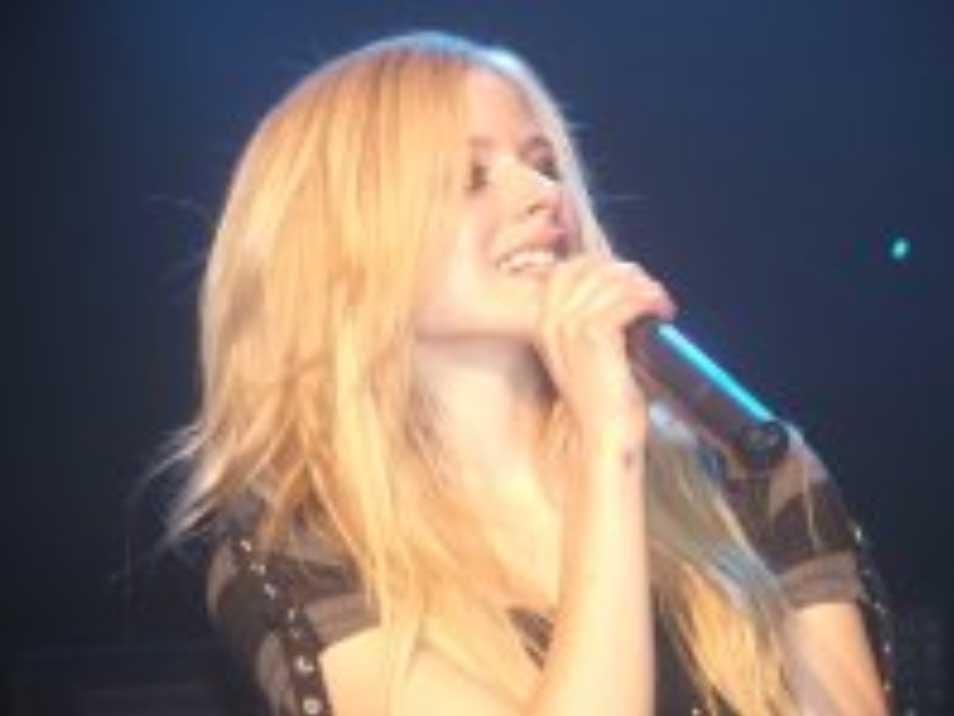 Avril Lavigne incontri Evan Evan sito di incontri dopo 50