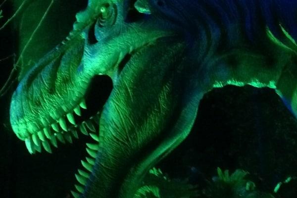 Il dinosauro più grande si muove e urla: mostra itinerante.