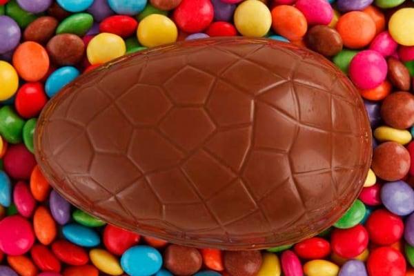 Pasqua: come fare un uovo di cioccolato a casa tua