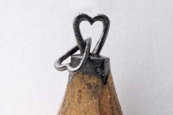 Un microscopico mondo sulla punta di una matita