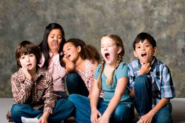 Perché sbadigliare è contagioso? Ma non è sempre così!