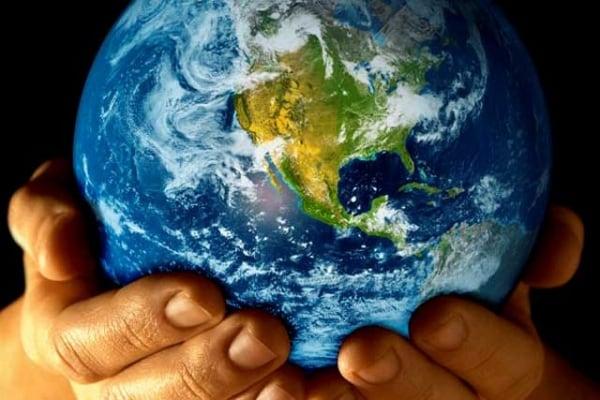 Quanto pesa la Terra? E come si fa a pesarla?