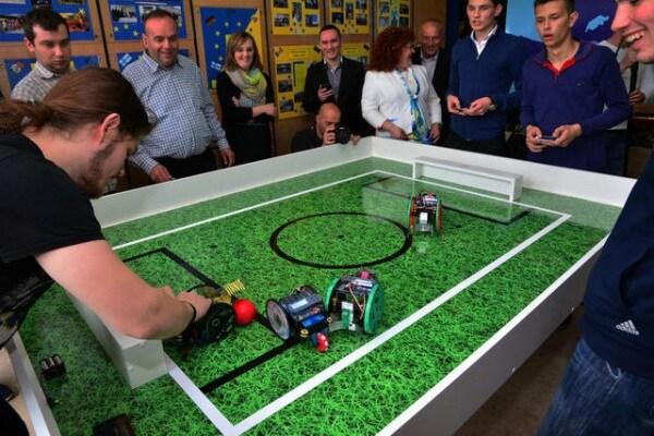"Robo Challenge | Il calcio ""robotico""!"