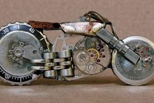 Motorologi: come riciclare un vecchio orologio