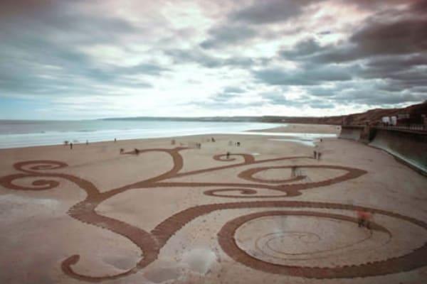 Jamie Wardley | L'artista effimero che disegna con la sabbia
