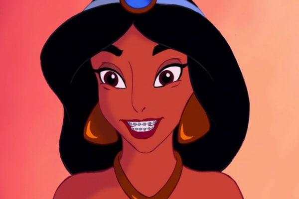 E se le principesse Disney avessero l'apparecchio?