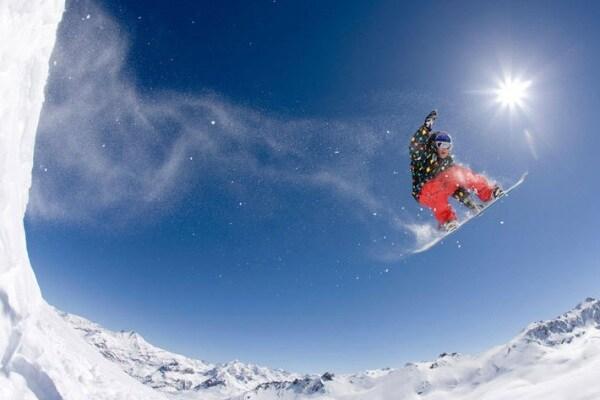 Neve | Salti pazzi con lo snowboard