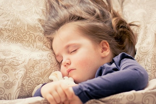 Dormire 18 minuti in più migliora la pagella!