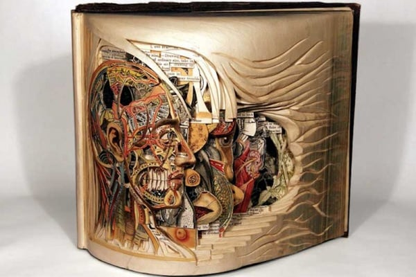 Sculture con i libri | Le pagine di carta diventano opere d'arte!