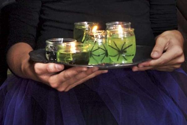Halloween | Fai da te: le candele con i ragni