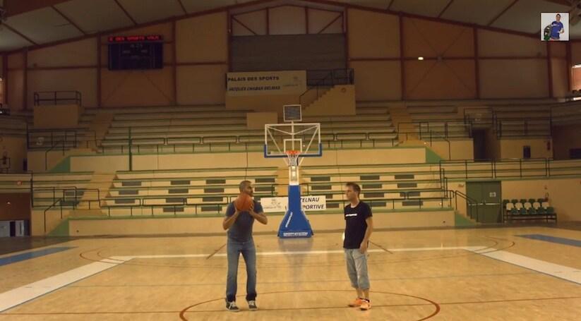 Basket VS Calcio – tutti i tiri entrano a canestro. Fake o bravura?