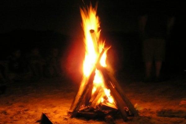 Perché le fiamme vanno verso l'alto?