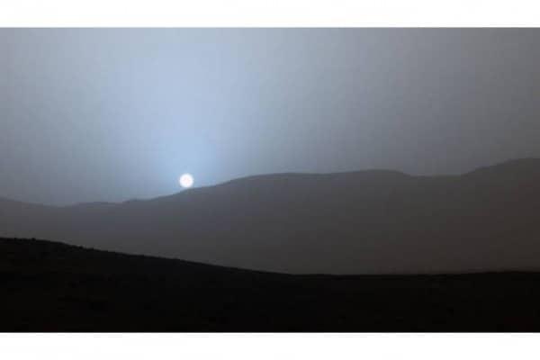 Il tramonto blu su Marte, le immagini spettacolari!