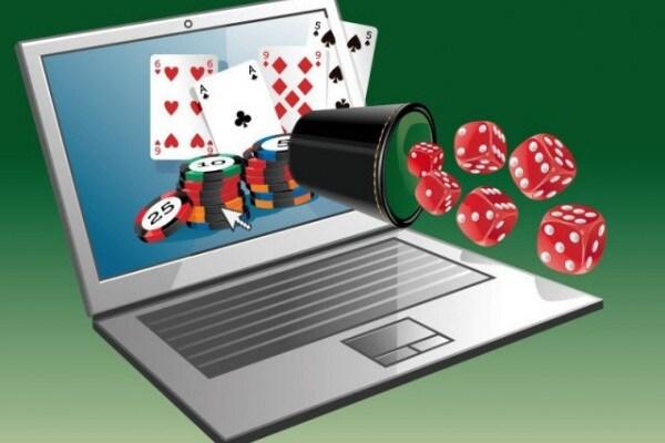 Mio papa' gioca a poker online! questi siti di giochi sono pericolosi?