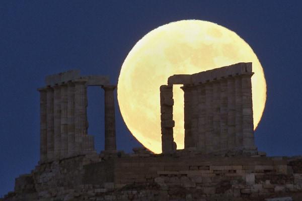 Che spettacolo la Luna quando diventa… super! (FOTO)