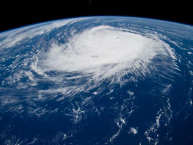 Perché in America ci sono gli uragani e da noi no?