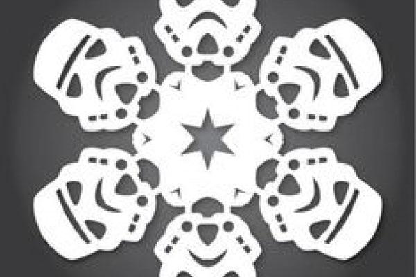 Lavoretti per Natale | Fiocchi di neve di carta da piegare e ritagliare