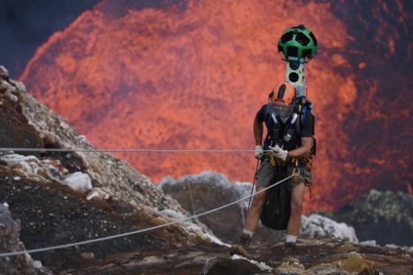Google Street View ti porta in un vulcano attivo!