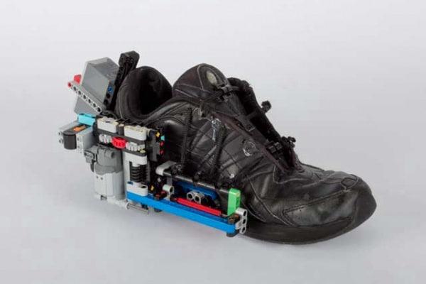 Le scarpe che si allacciano da sole esistono davvero!