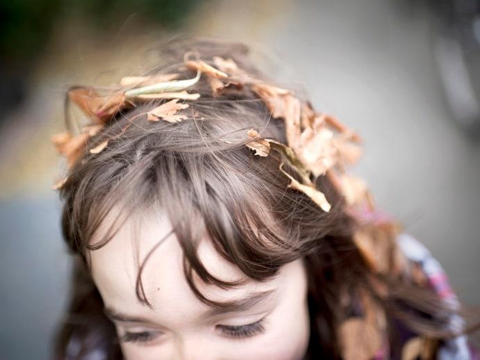 È vero che in autunno cadono i capelli?