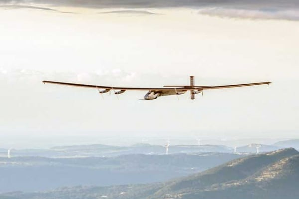 Record | L'aereo Solar Impulse 2 ha fatto il giro del mondo… gratis. Perché vola con l'energia solare!