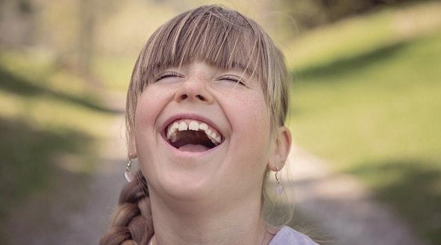 Calde… risate! Barzellette estive per chi ha voglia di ridere