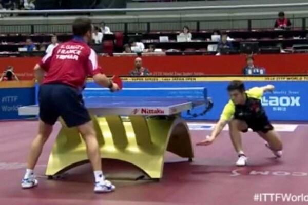 Ping pong | Un colpo strabiliante che lascia tutti a bocca aperta