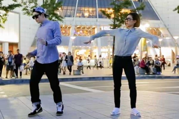 Dubstep, il ballo dei robot umani… al rallentatore!