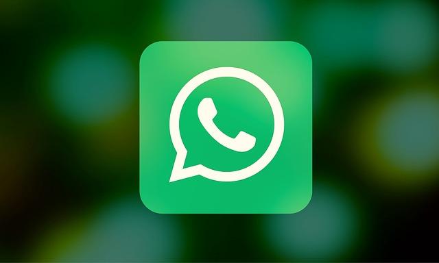 Sondaggio | Genitori e gruppi di classe su WhatsApp. Che cosa ne pensi?