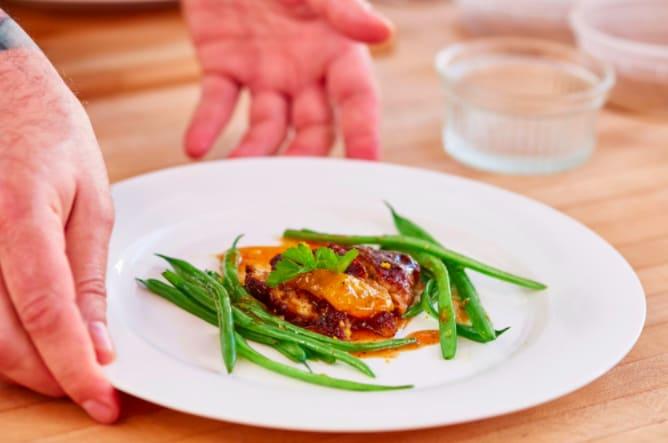 Carne di pollo… senza pollo! Il futuro del cibo è il cibo sintetico?