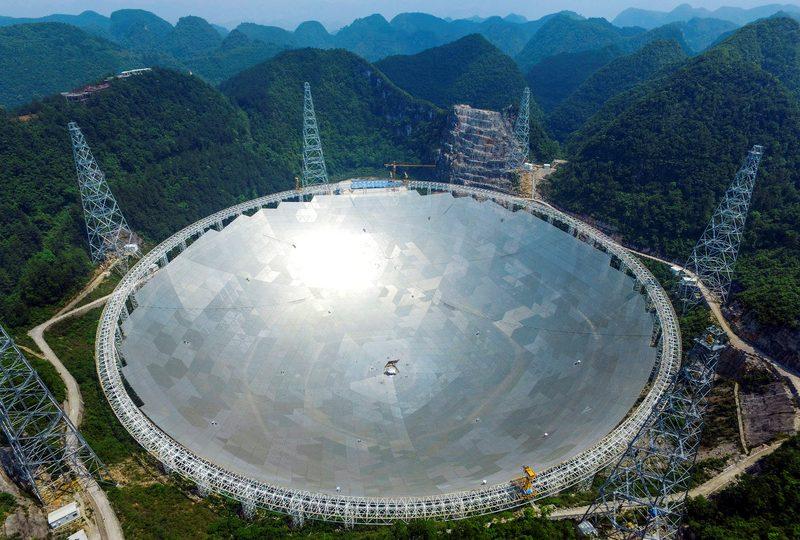 La Cina è in cerca di alieni: ecco FAST, il telescopio più grande del mondo