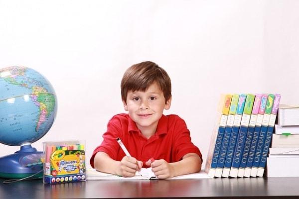 Modifiche nel mondo della scuola: più semplici gli esami di terza media e solo due scritti alla maturità