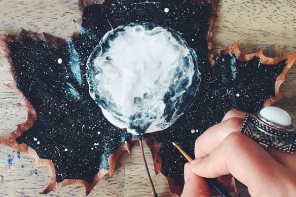 Foglie dipinte, arte e autunno