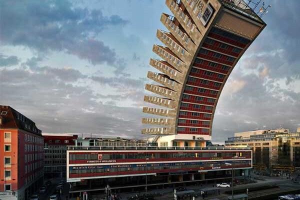 Vuoi vedere un hotel pieghevole? Guarda il video!