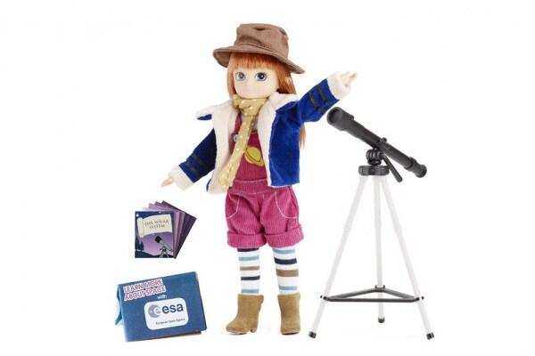 Lottie, la bambola astronoma, conquista lo spazio!