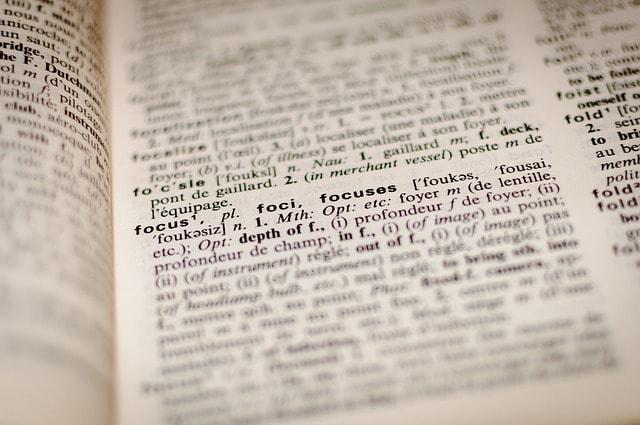 """50 anni di Devoto Oli: il dizionario italiano si arricchisce con il linguaggio """"digitale""""!"""